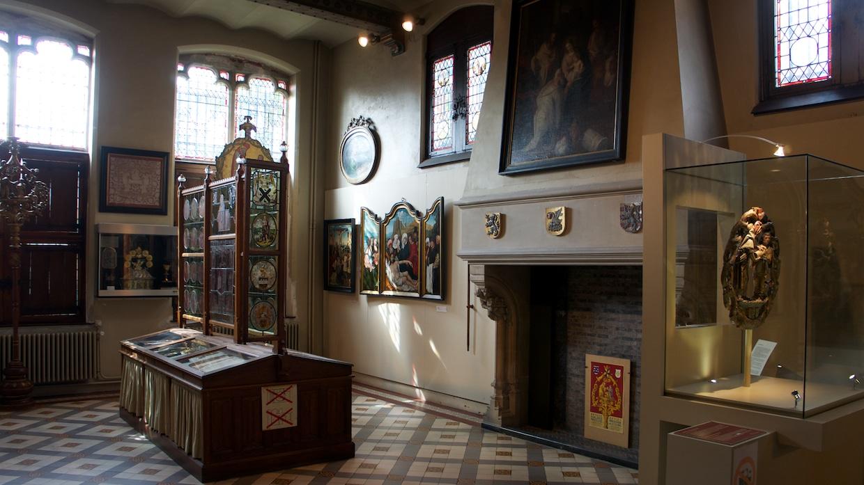 Брюгге музей базилики Святой Крови