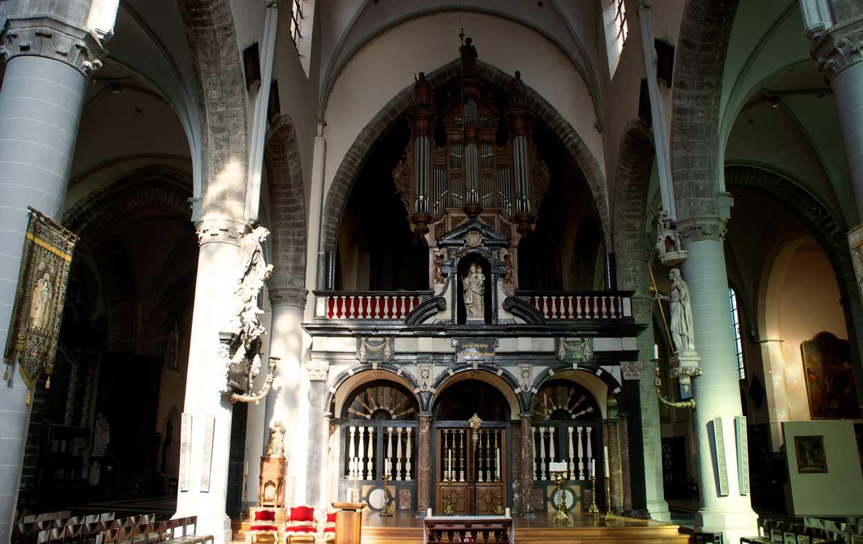 Церковь Св. Иакова интерьер